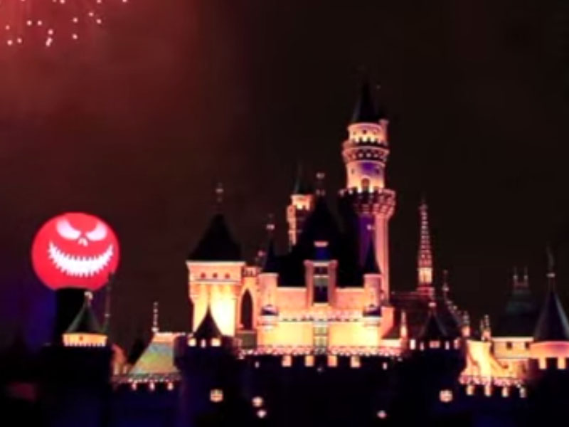 Animation: Halloween Screams at Disneyland